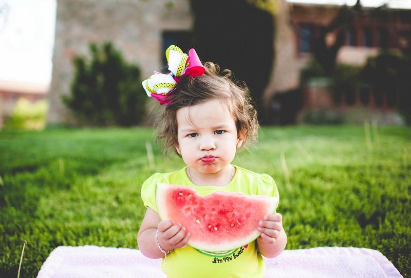 8658127067_f1d25baf31_c girl and melon